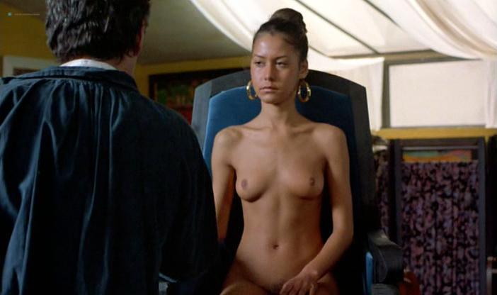 Sofie Grabol nude, Valeri Glandut nude, Fanny Bastien nude - Oviri (1986)