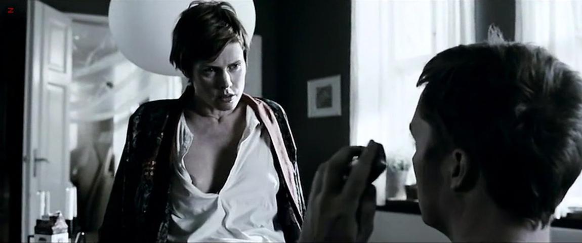 Lene Nystrom nude, Pernille Vallentin nude - Fri os fra det onde (2009)