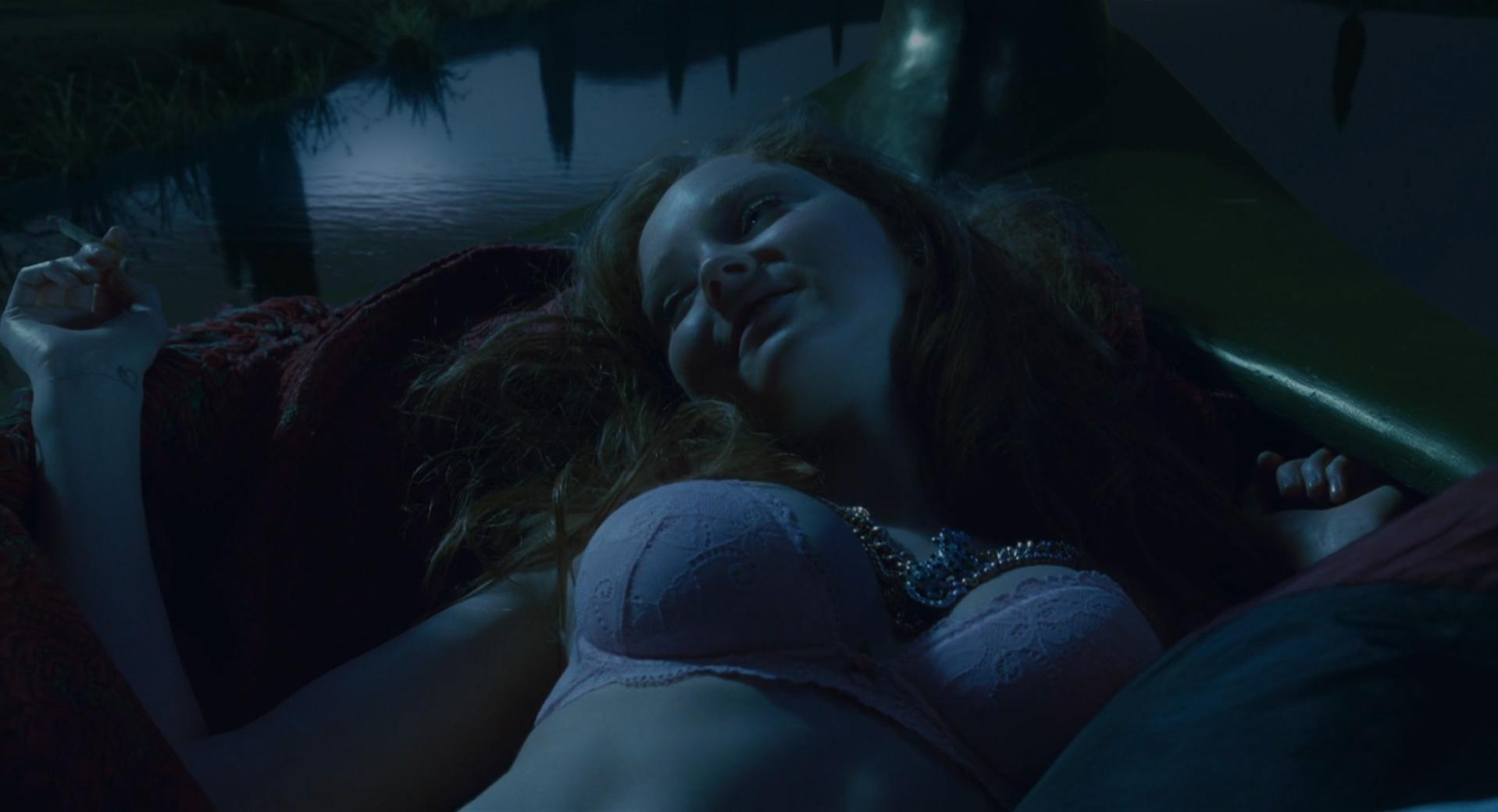 Lily Cole sexy - The Imaginarium of Doctor Parnassus (2009)