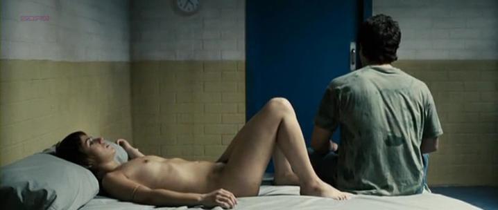 Marta Etura nude, Eva Pallares nude - Azul Oscuro Casi Negro (2006)