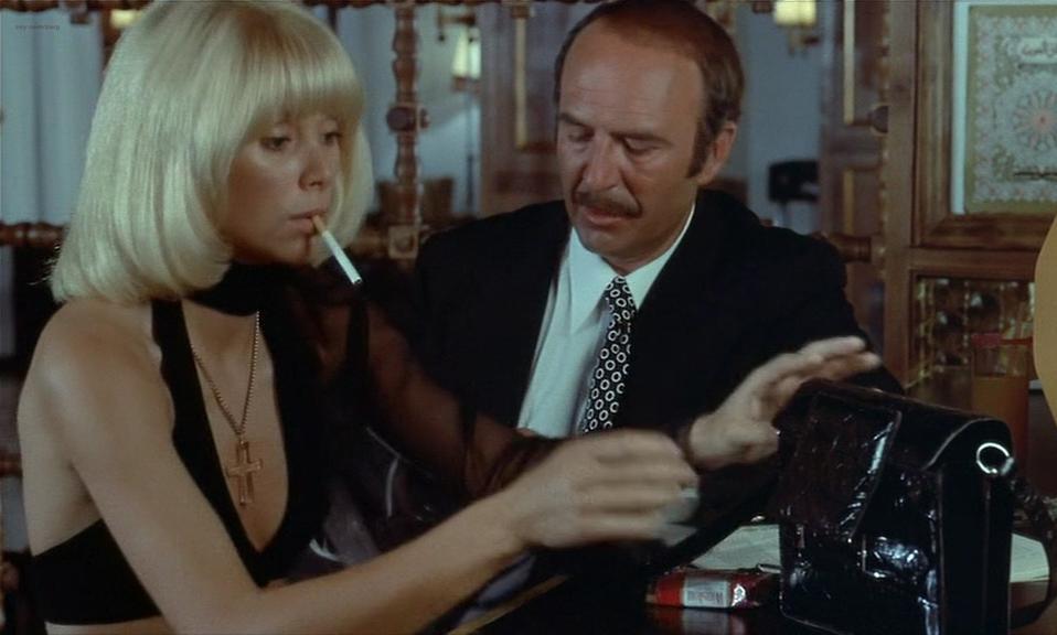Mireille Darc nude - La Valise (1973)