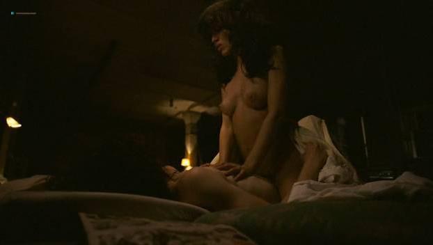 Natalia Avelon nude, Scarlett Schwarze nude - Das Wilde Leben (2007)