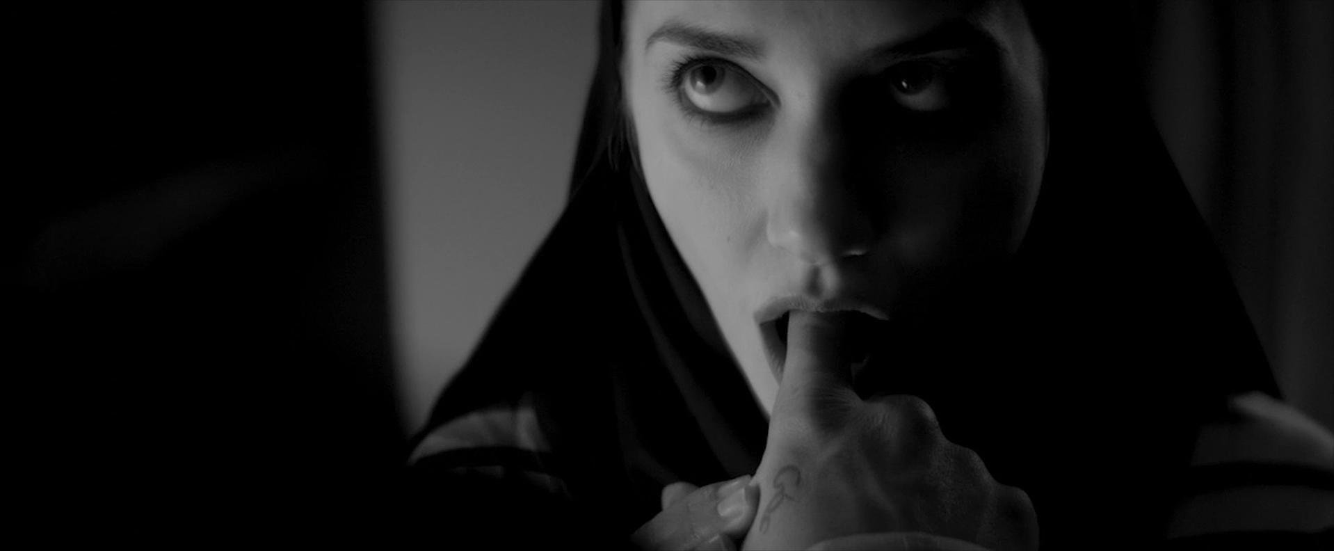 Sheila Vand nude - A Girl Walks Home Alone at Night (2014)
