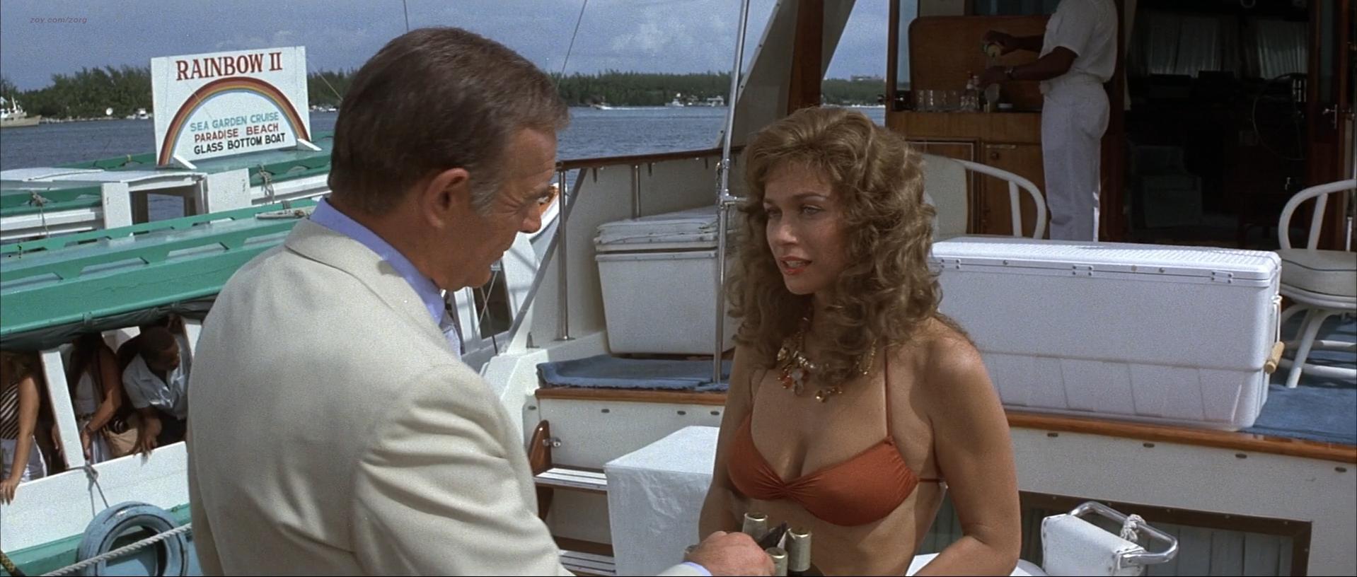 Kim Basinger sexy, Barbara Carrera sexy - Never Say Never Again (1983)