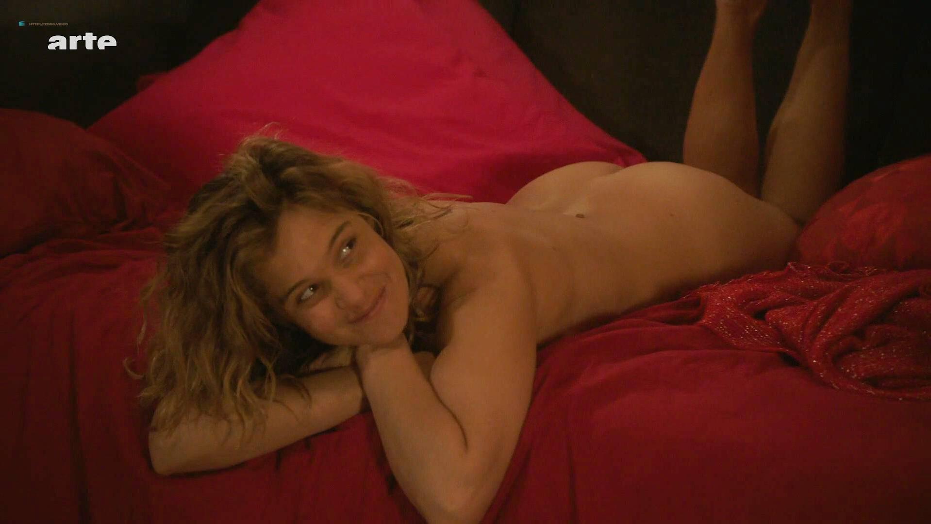 Celebrity Romaine Bohringer Nude Pic