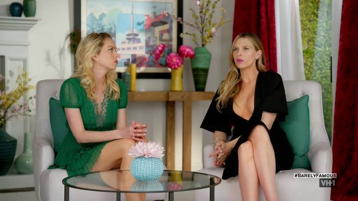 Sara Foster sexy, Erin Foster sexy, Jessica Alba sexy - Barely Famous s02e01 (2016)
