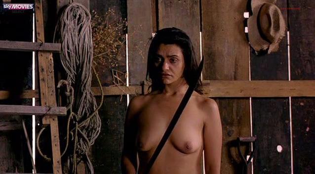 robins nude Laila