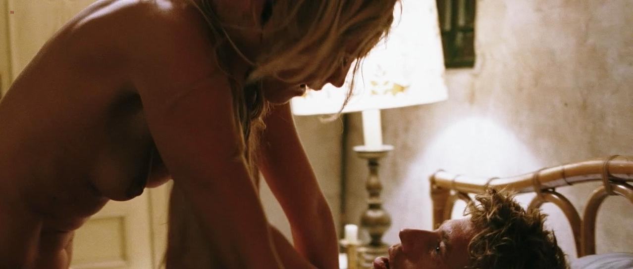 Sophie Hilbrand nude - Zomerhitte (2008)