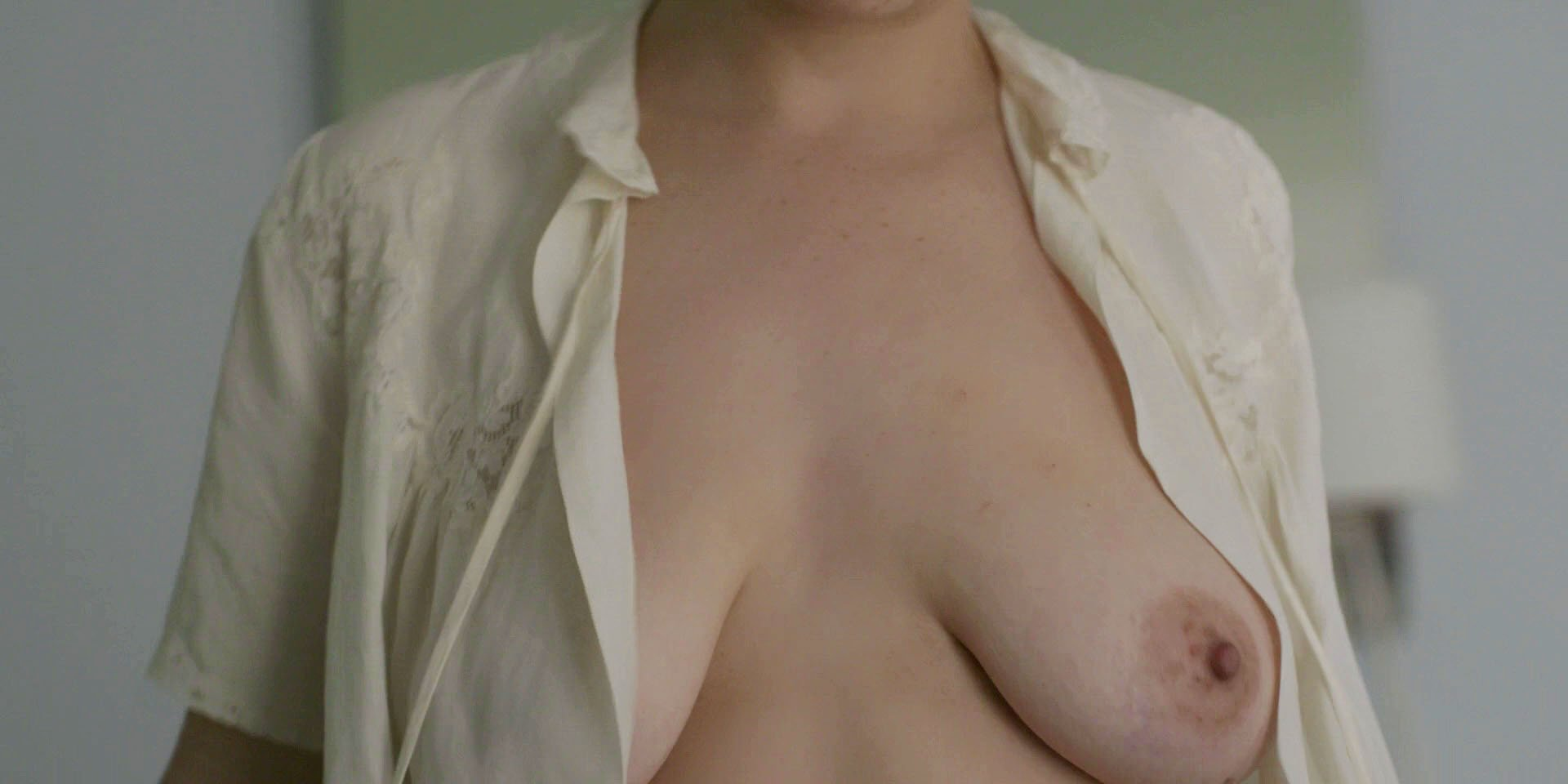 Alia Shawkat nude - Transparent s04e02 (2017)