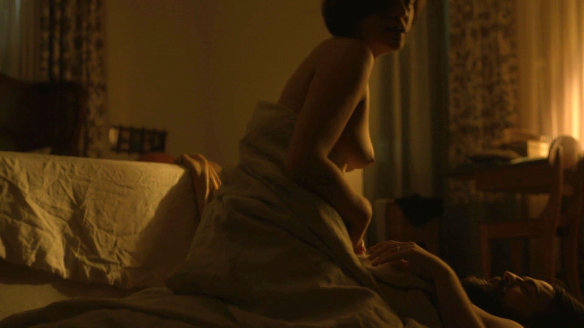 Elisabeth Moss nude - Top of the Lake s02e06 (2017)