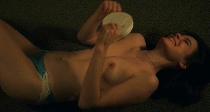 Caroline Dhavernas nude - Easy Living (2017)