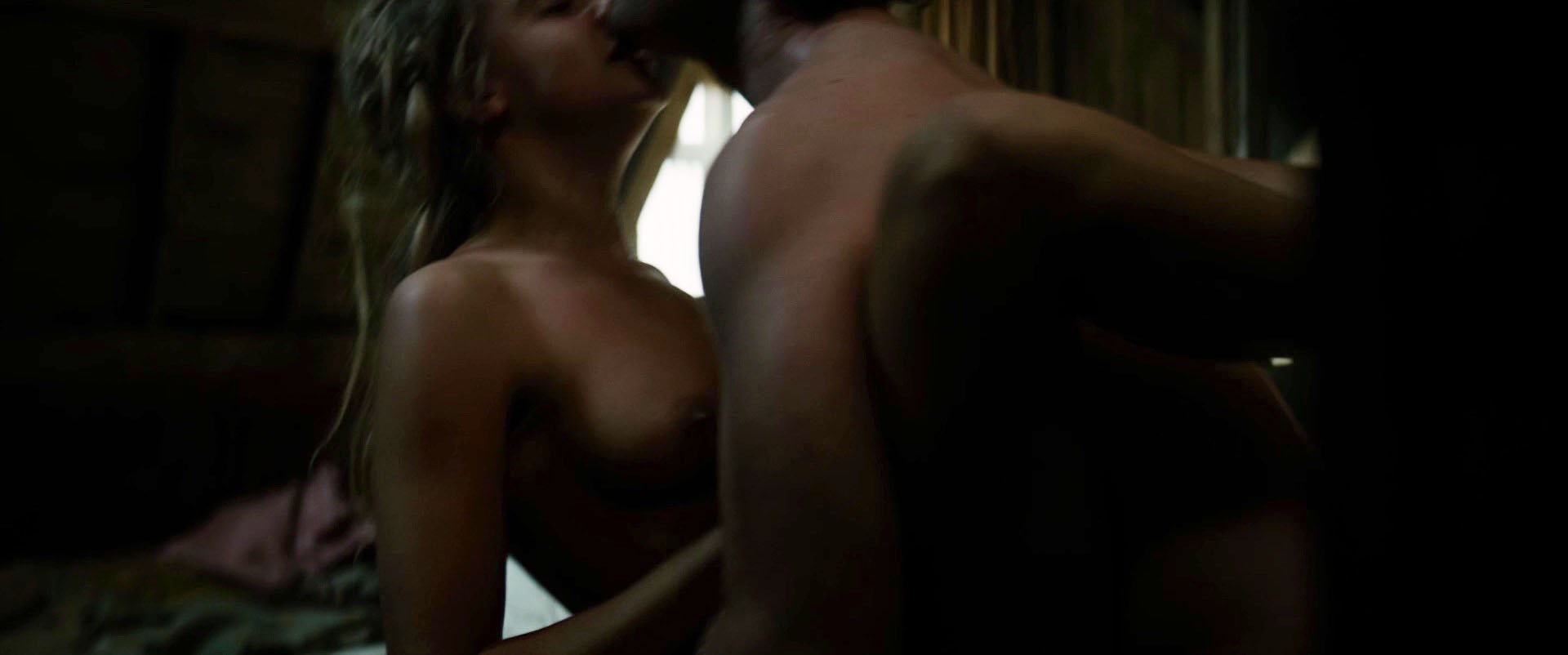 Cara Delevingne nude - Tulip Fever (2017)