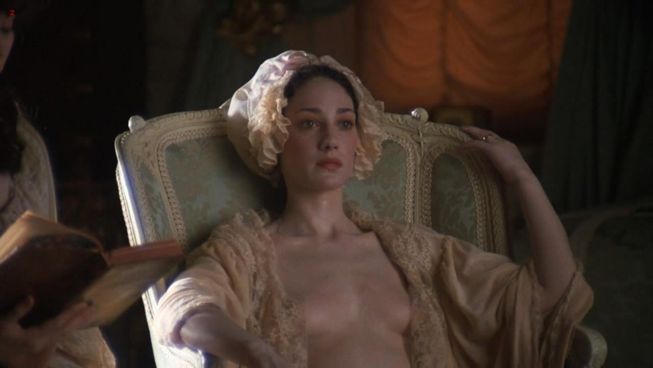 Marisa Berenson nude - Barry Lyndon (1975)