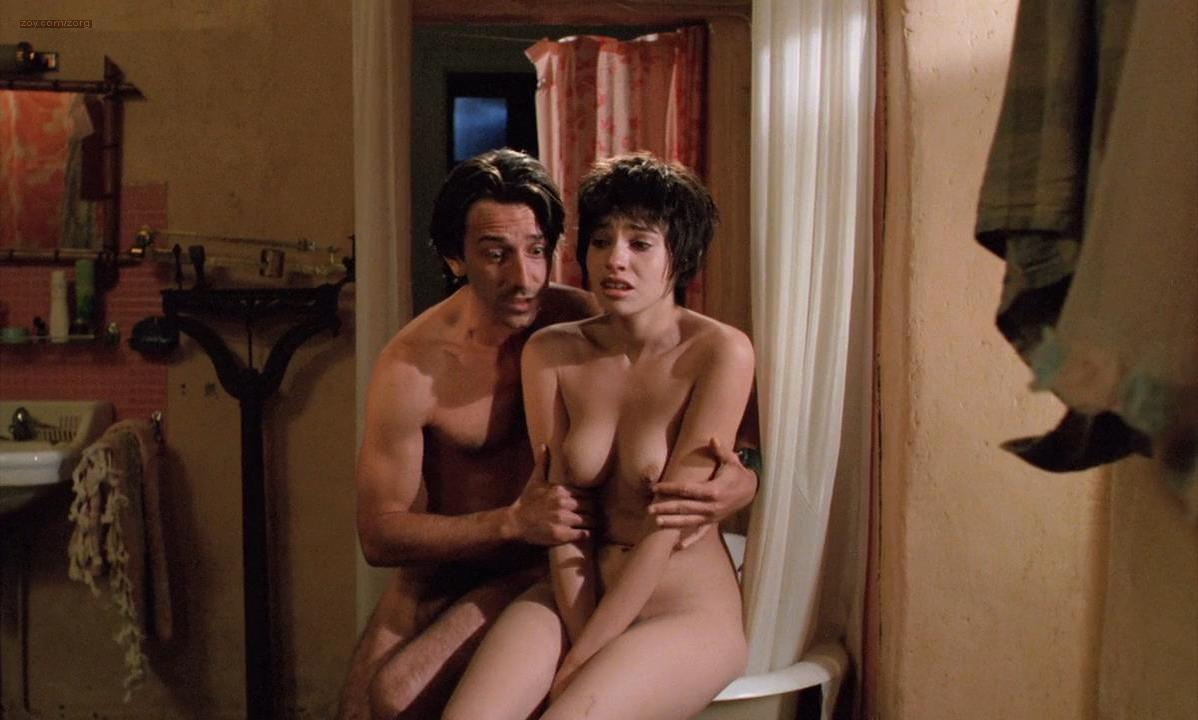 Beatrice Dalle nude - Betty Blue (1986)
