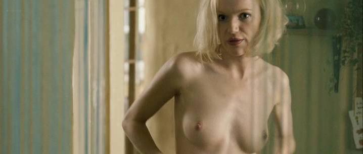 Agnieszka Grochowska nude, Joanna Majstrak nude - Bez Wstydu (2012)