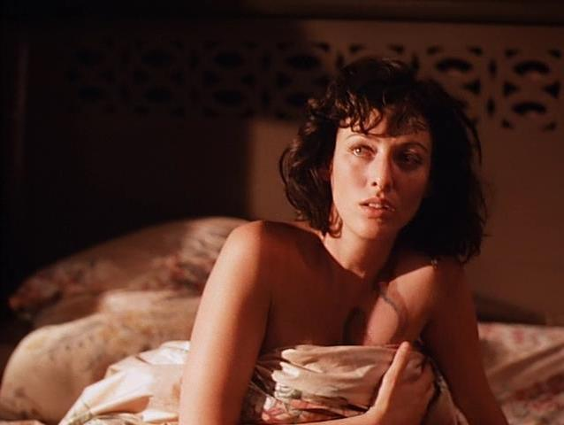 Virginia Madsen sexy - Blue Tiger (1994)