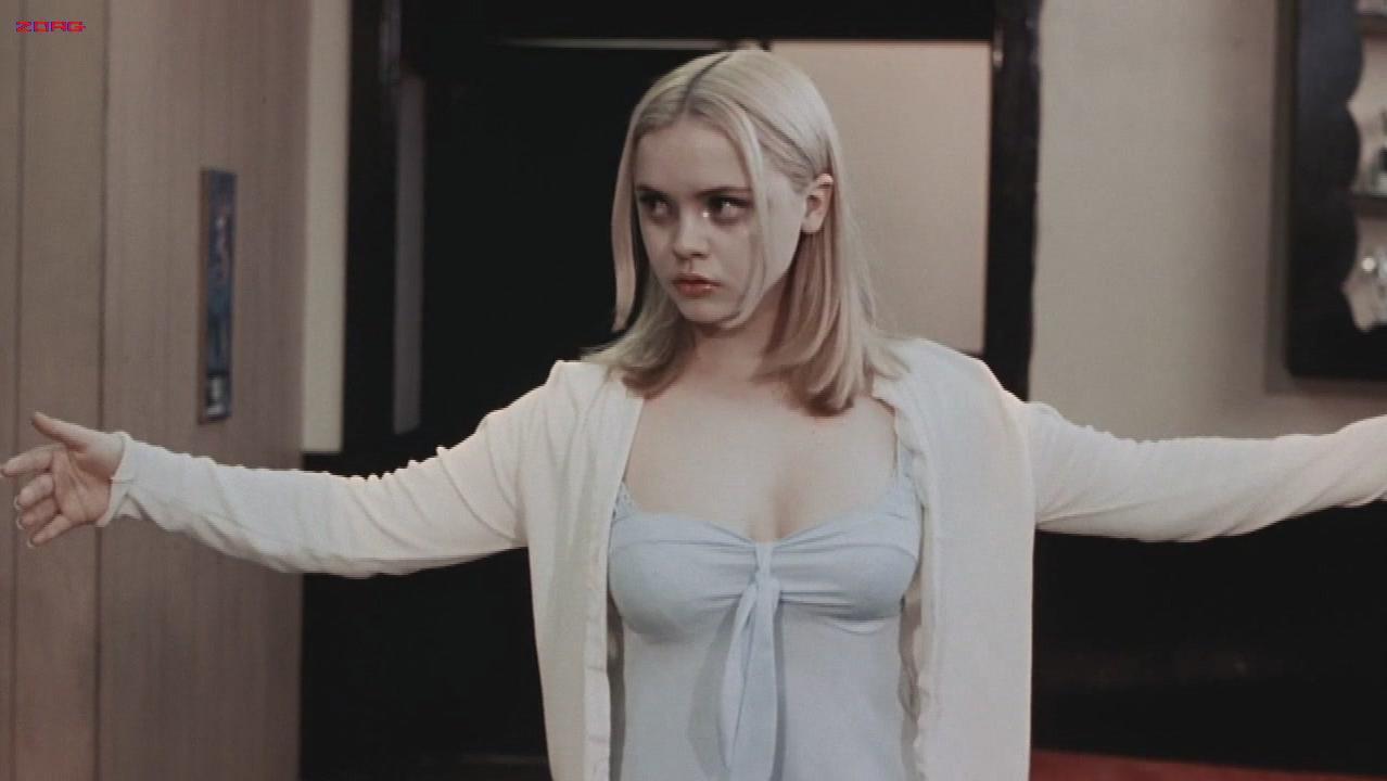 Christina Ricci sexy - Buffalo 66 (1998)