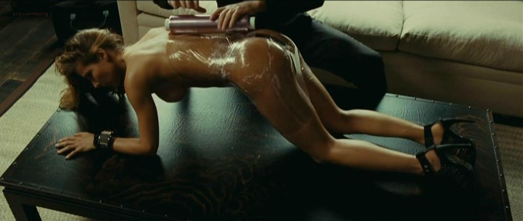 Elsa Pataky nude - Di Di Hollywood (2010)