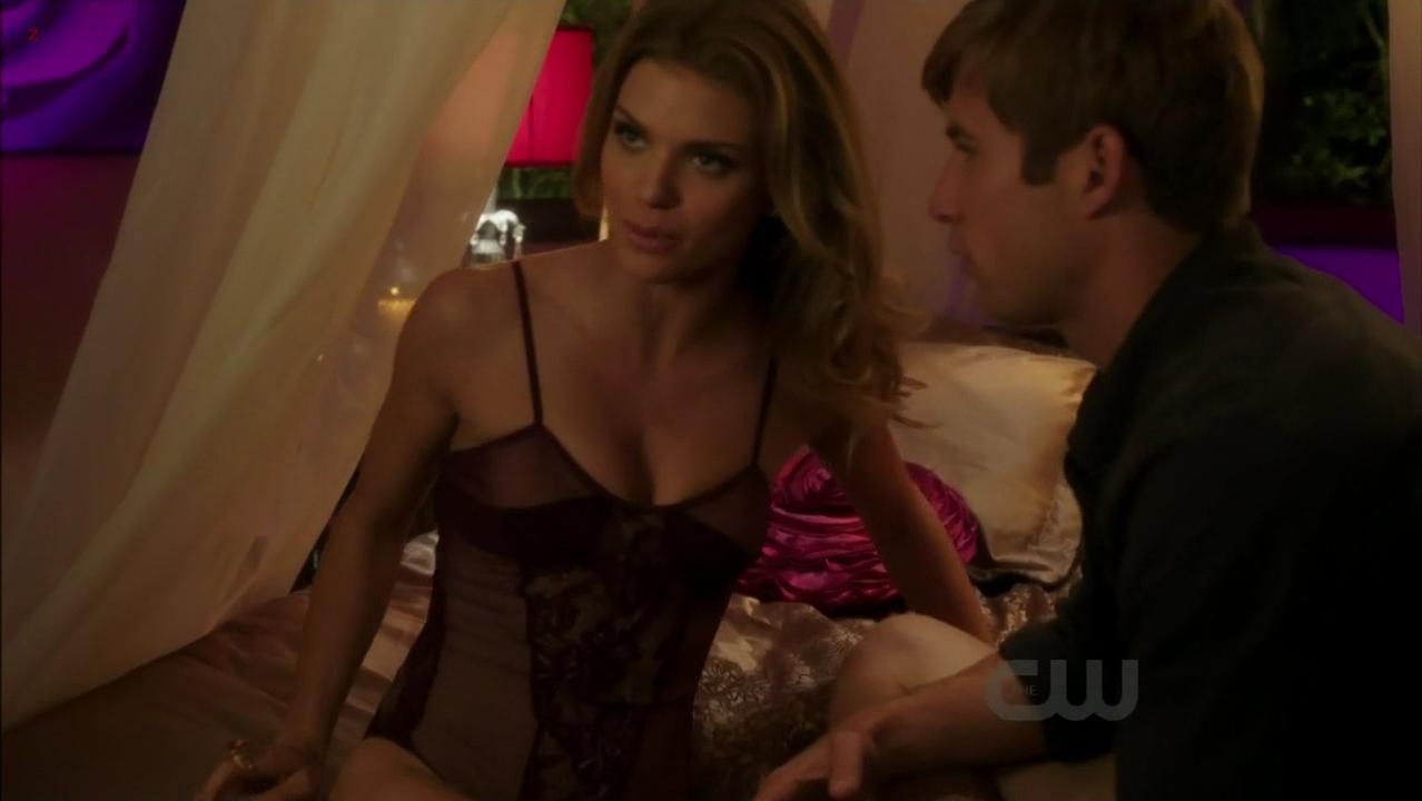 AnnaLynne McCord sexy - 90210 s04e10 (2011)