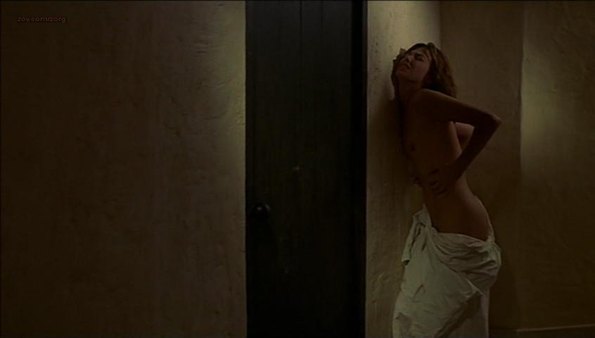 Jane Birkin nude - Dust (1985)