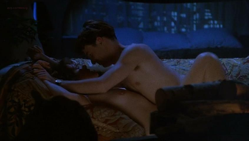 Lynn Redgrave nude - Getting It Right (1989)