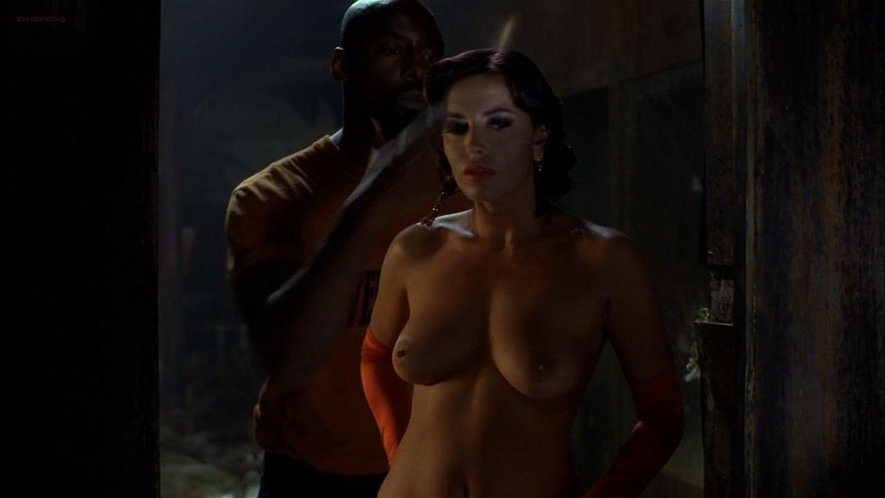 Francesca Rettondini nude - Ghost Ship (2002)