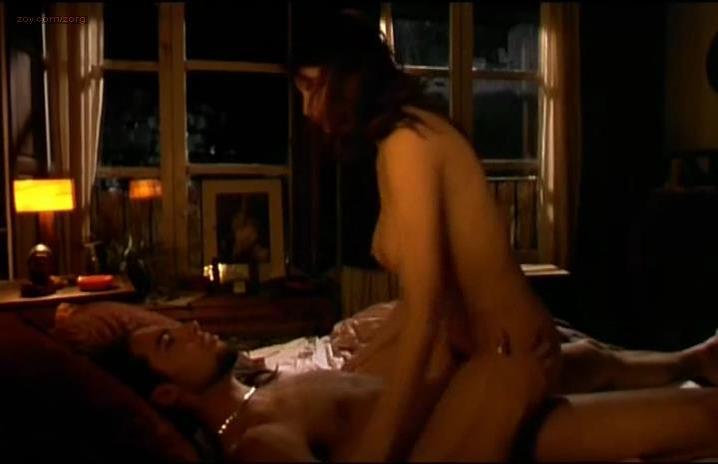 Laetitia Casta nude - Gitano (2000)