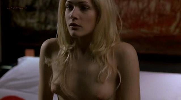 Laura Chiatti nude - A Casa Nostra (2006)