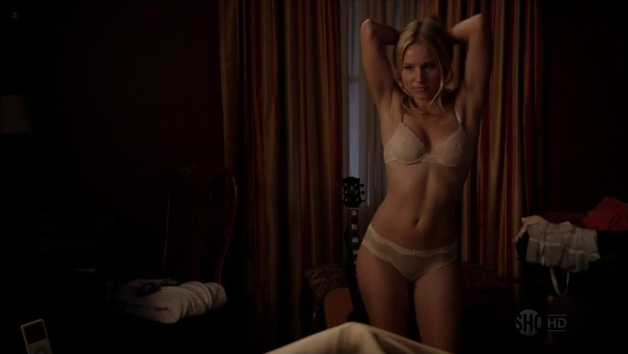 Kristen Bell sexy - House of Lies s01e04 (2012)