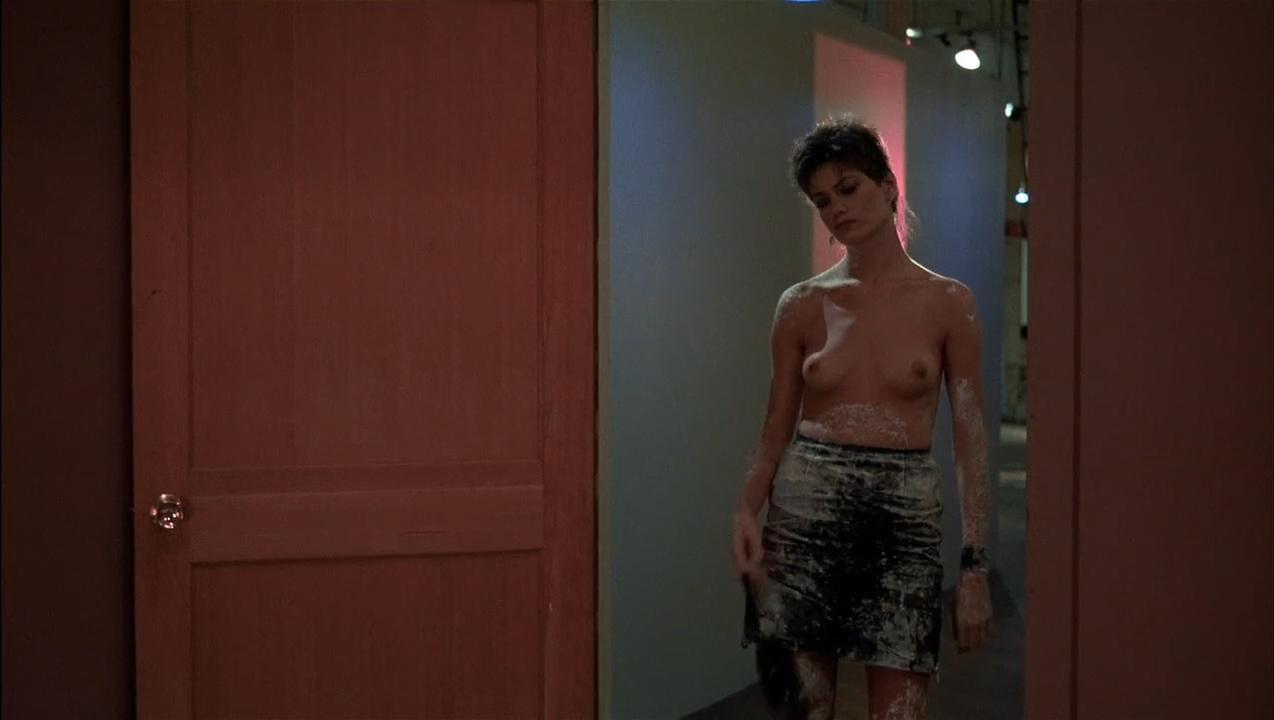 Linda Fiorentino nude, Rosanna Arquette sexy - After Hours (1985)
