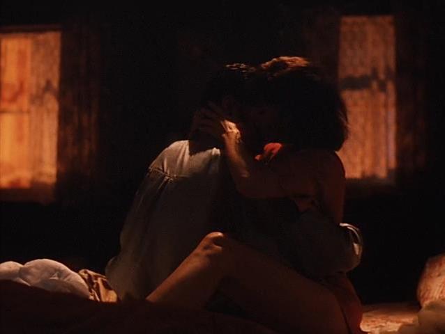 Virginia Madsen sexy - Blue Tiger (1994)