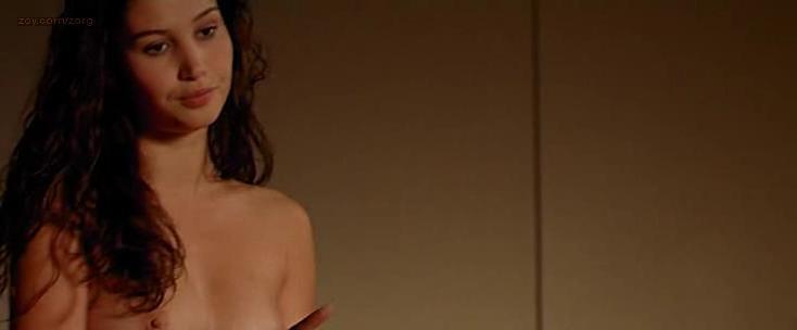 Blandine Bury nude - Dans tes reves (2005)