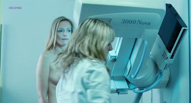 Karina Beuthe nude - Et soudain tout le monde me manque (2011)