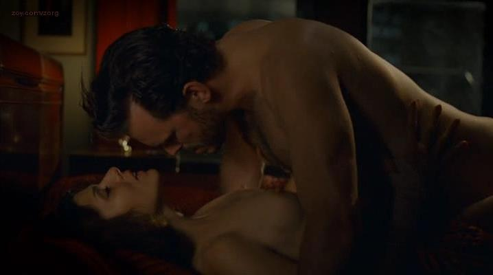 Marisa Tomei nude, Lili Taylor sexy - Factotum (2005)
