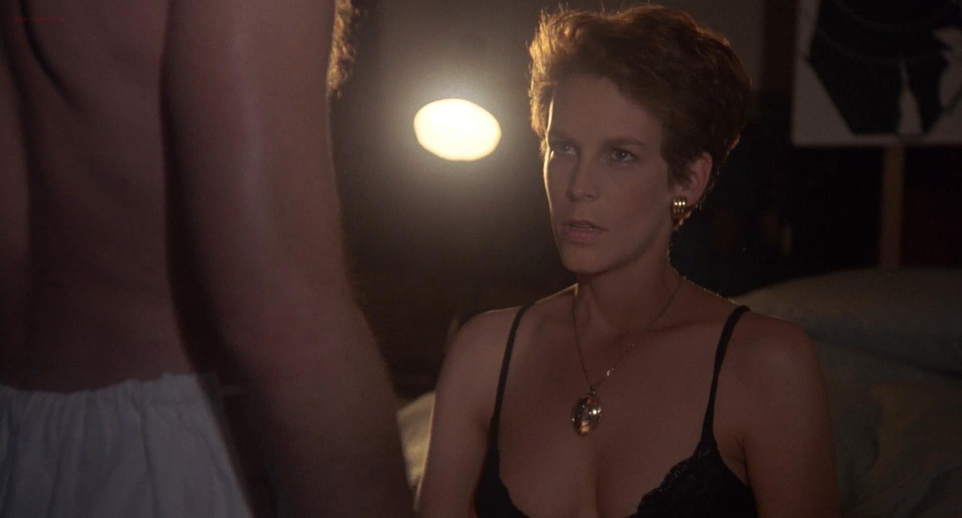 Jamie Lee Curtis sexy - A Fish Called Wanda (1988)
