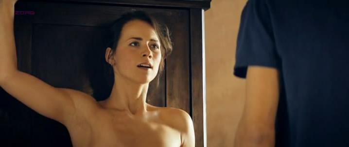 Karine Vanasse nude - Angle Mort (2011)