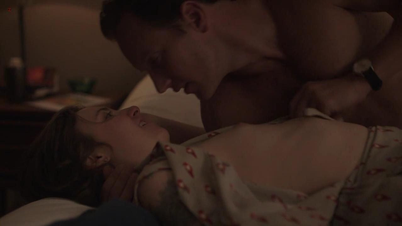 Lena Dunham nude - Girls s02e05 (2013)