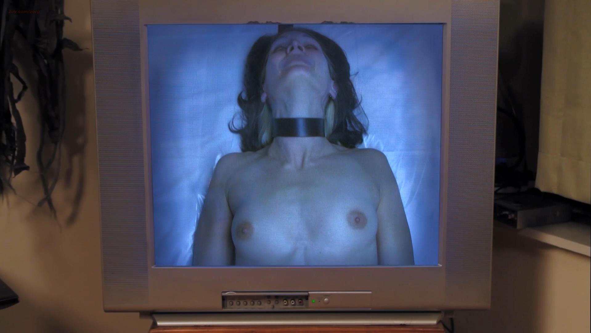 Angie Bullaro nude - Gut (2012)