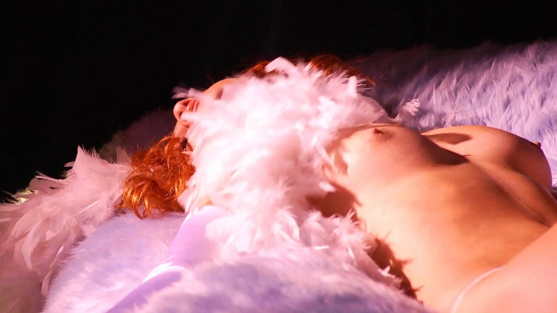 Nicole Arianna Fox  nackt