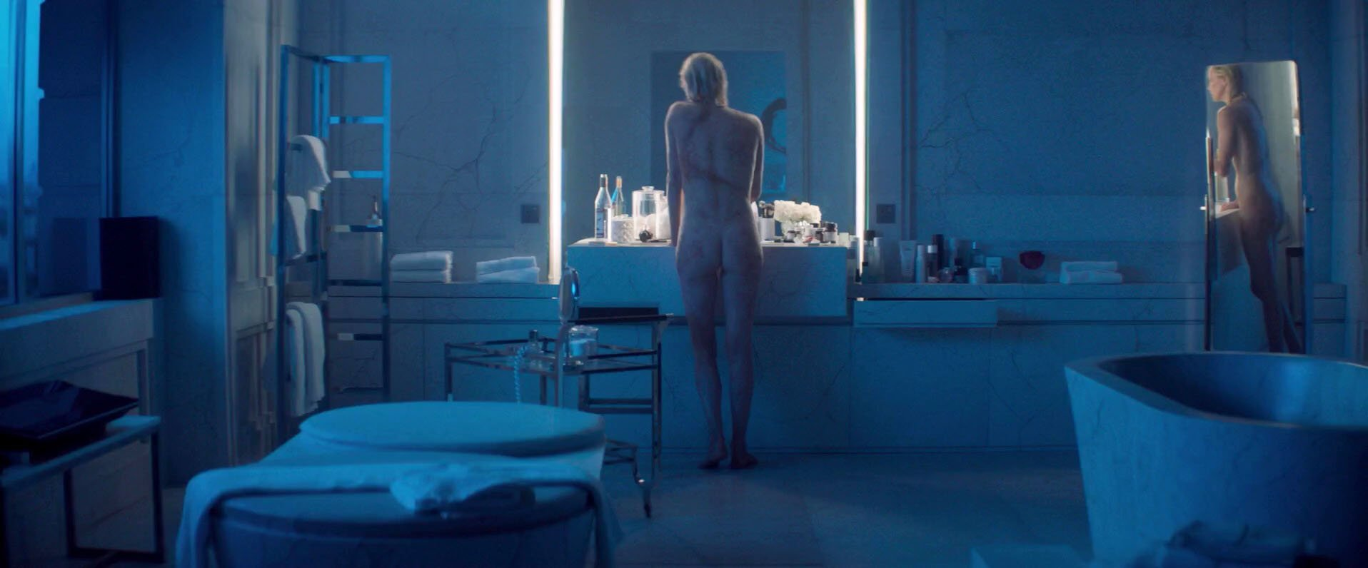 Charlize Theron nude, Sofia Boutella nude - Atomic Blonde (2017)