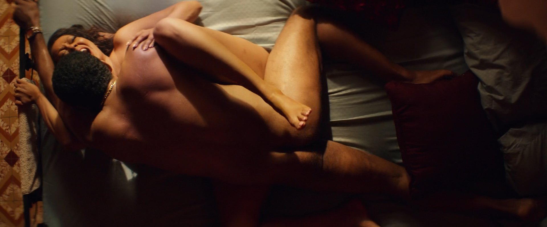 La La Anthony nude - Double Play (2017)