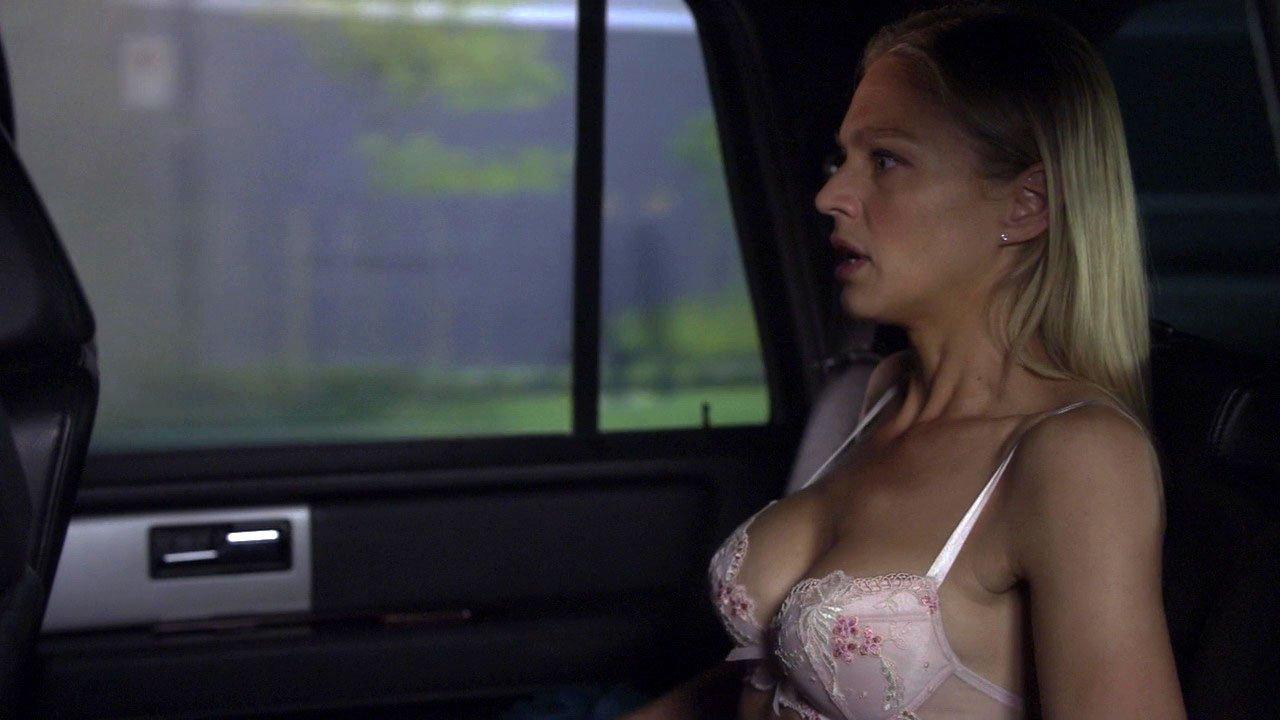 Kristin Lehman sexy - Human Target s01e05 (2010)