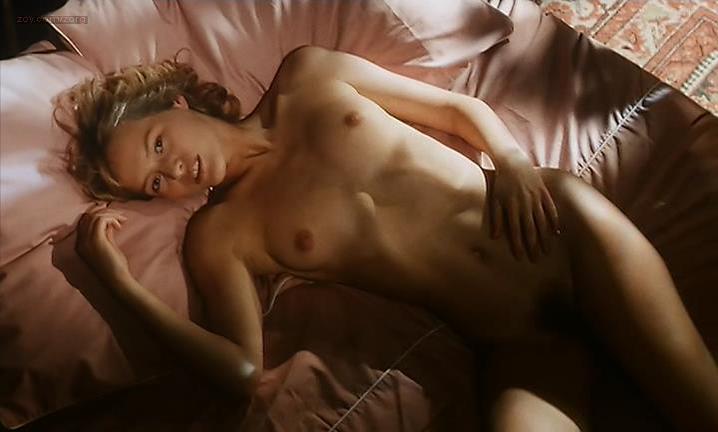 Gabrielle Lazure nude - La belle captive (1983)