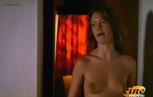 Anna Falchi nude - Nel continente nero (1993)