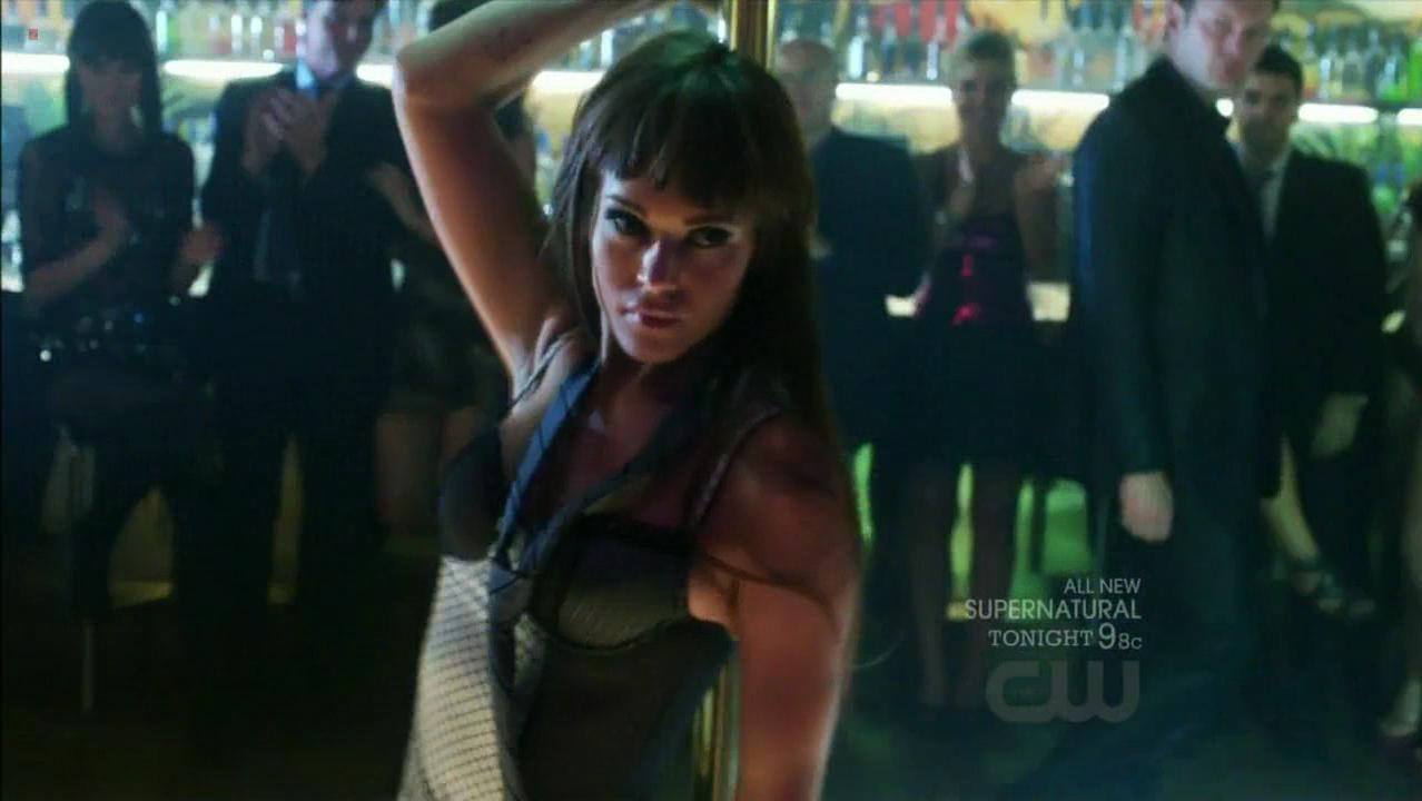 Lyndsy Fonseca sexy - Nikita s02e09 (2011)