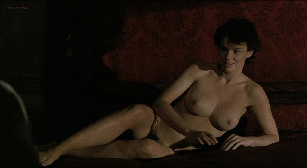 Claire Nebout nude - La condanna (1990)
