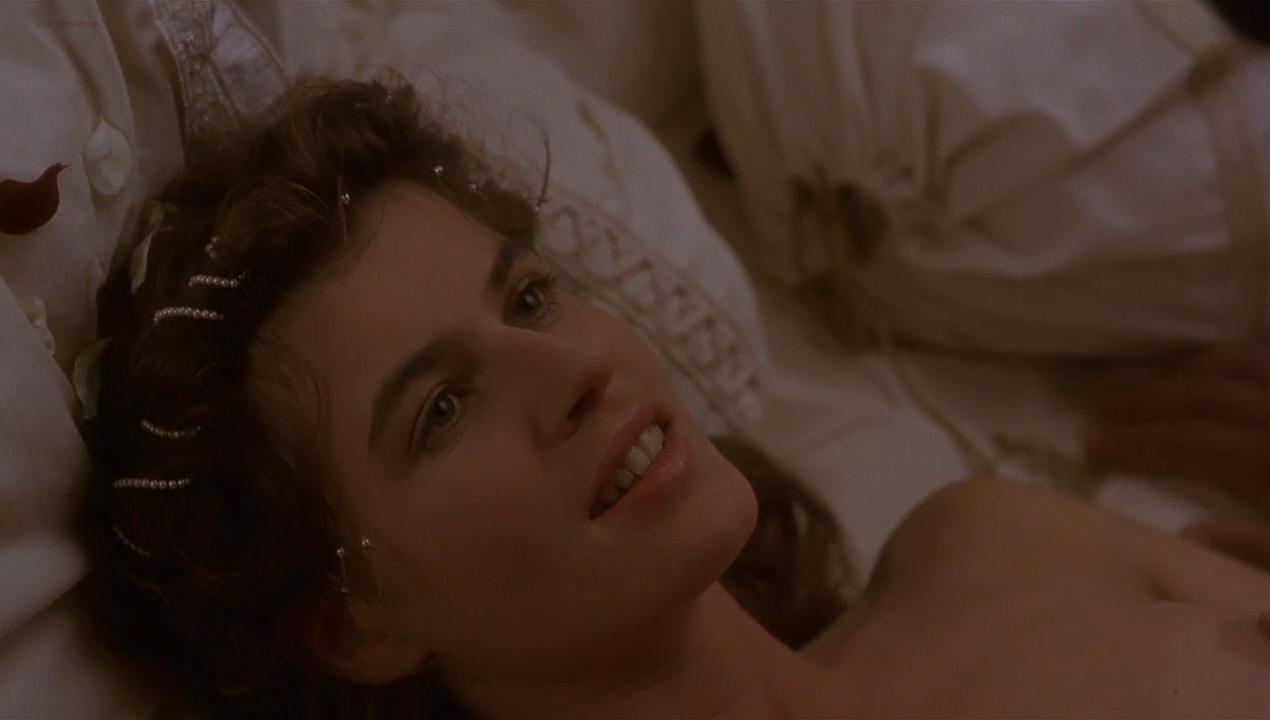 Irene Jacob nude - Othello (1995)