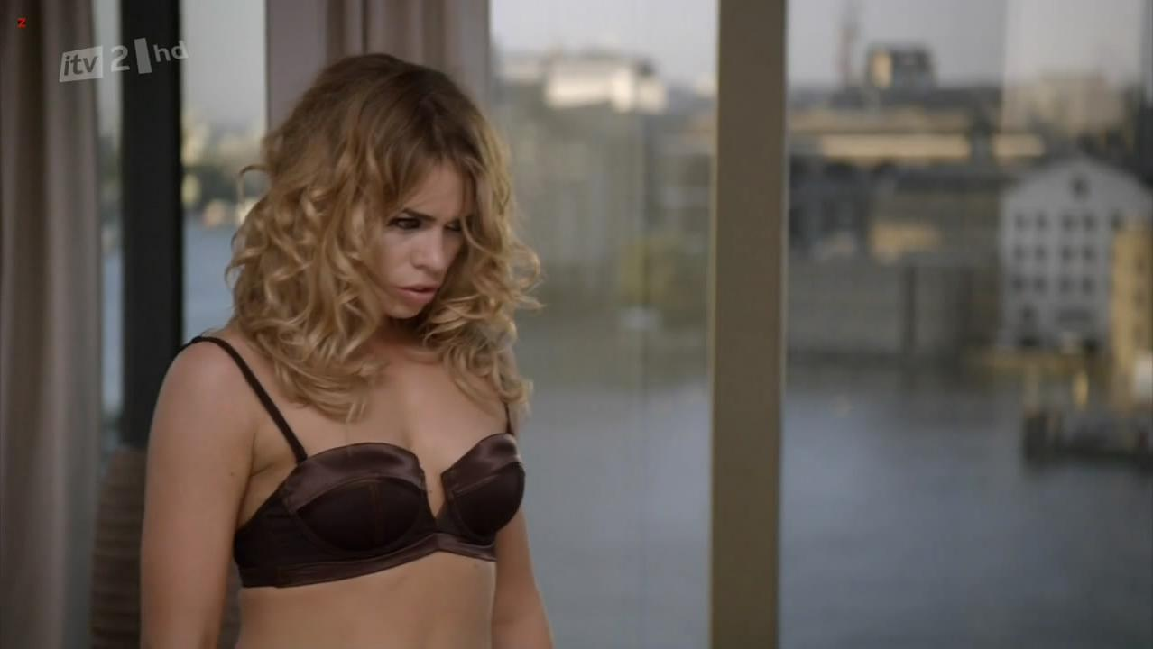 Billie Piper sexy - Secret Diary of a Call Girl s04e08 (2011)