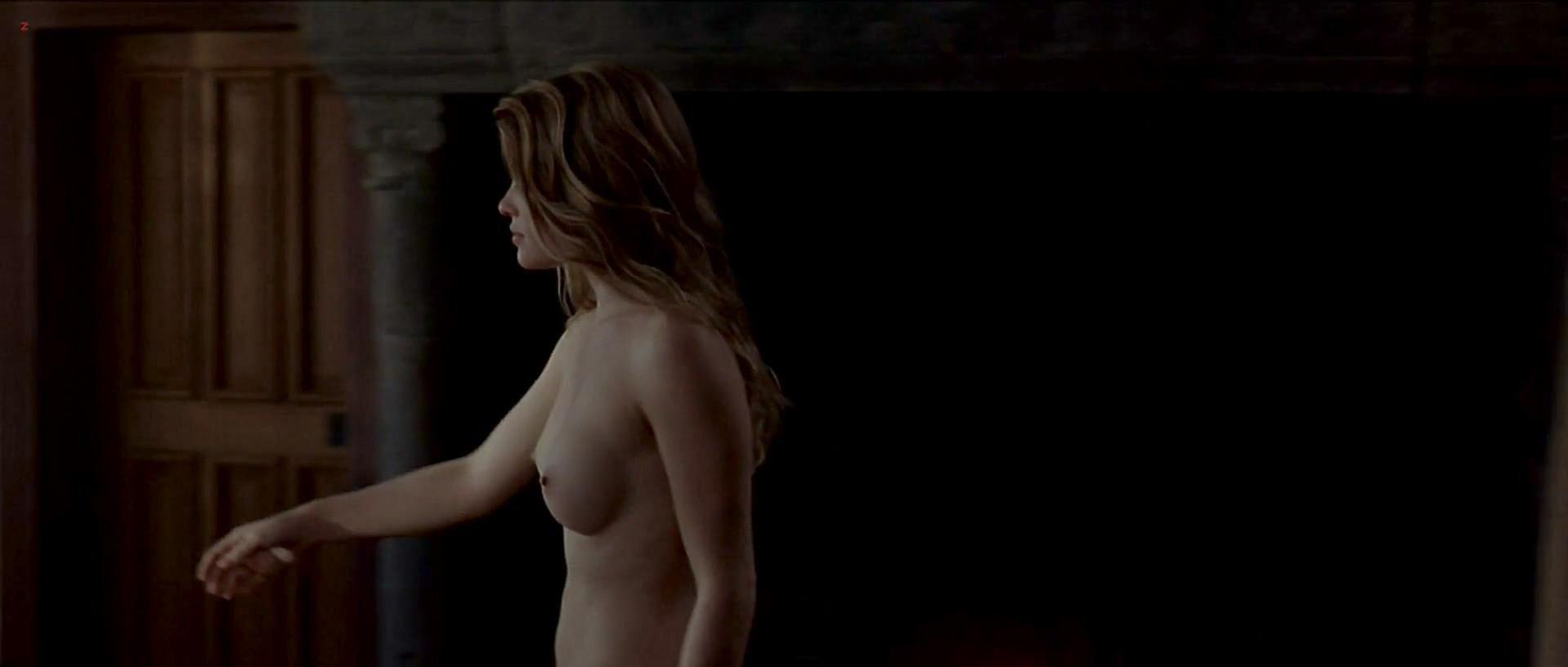 tania-saulnier-topless
