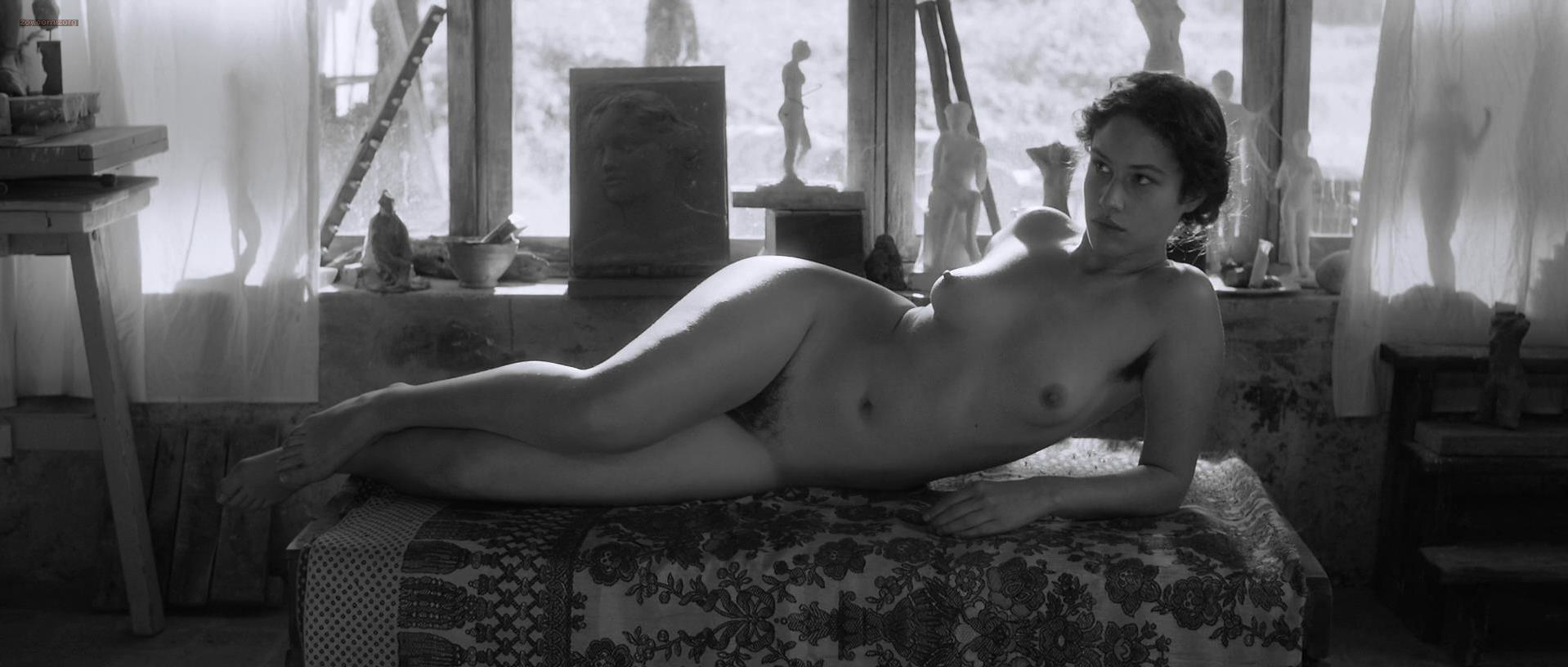 Aida Folch nude - The Artist and the Model (2012)